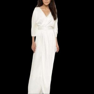 NWT BLACK HALO Vallie satin v-neck gown white